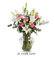 Zarif Kutlama Lilyum ve Güller